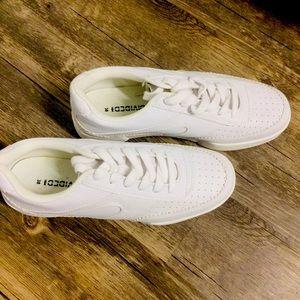 New H&M white platform sneakers US 7